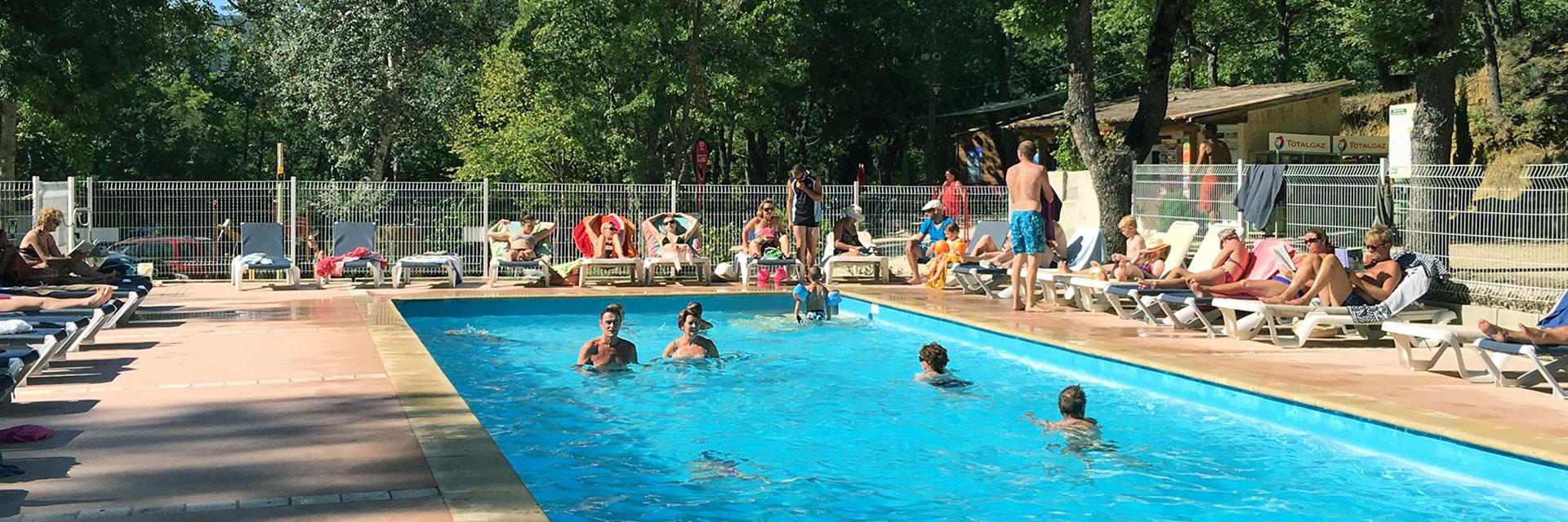 Camping le colorado rustrel dans le luberon en vaucluse - Location luberon piscine ...